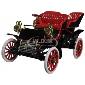 1903 Cadillac Runabout Black 1/32 Diecast Car Model by Signature Models
