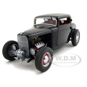 1932 Ford Three Window Coupe Black 1 of 3200 Made 1/18  Diecast Car Model by GMP