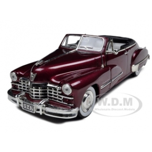 1947 Cadillac Series 62 Convertible Burgundy 1/32 Diecast Model Car by Signature Models