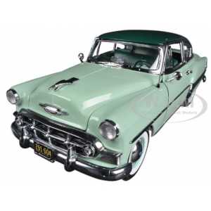 1953 Chevrolet Bel Air Hard Top Coupe Woodland Green / Surf Green 1/18 Diecast Car Model by Sunstar