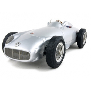 1954 1955 Der Mercedes W 196 Monoposto 1/18 Diecast Car Model by CMC