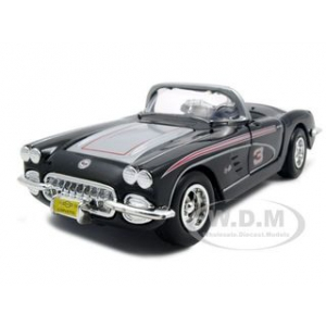 1959 Chevrolet Corvette Racer RCR Series 3 1/24 Diecast Model Car by Motormax