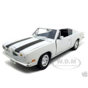 1969 Plymouth Barracuda 383 White 1/18 Diecast Car by Road Signature