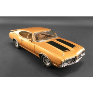 1970 Oldsmobile 442 Holiday Coupe Nugget Gold Dr. Olds 1 Series Limited to 936pc 1/18 Diecast Car Model by Acme