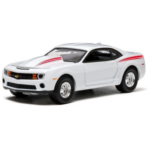 2012 Chevrolet COPO Camaro White 1/64 Diecast Car Model by Greenlight