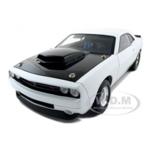 Dodge Challenger Concept R/T 392 Super Stock White 1 of 600 Made 1/18 Diecast Model Car by Highway 61