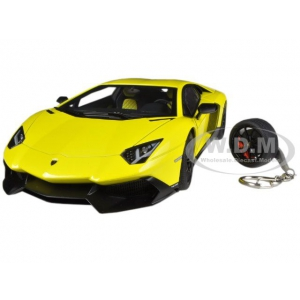 Lamborghini Aventador LP720-4 Yellow Giallo Maggio 50th Anniversary Edition with Keychain 1/18 by Autoart