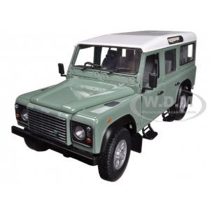 Land Rover Defender 110 Station Wagon Green 1/18 Diecast Car Model by Universal Hobbies